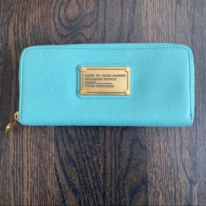 Marc Jacobs Continental ZIP Wallet